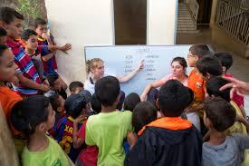 Foto tomada de http://www.handicapeesaghbala.org/empieza-campo-de-trabajo-voluntario-y-social-en-el-proyecto-aghbala15/